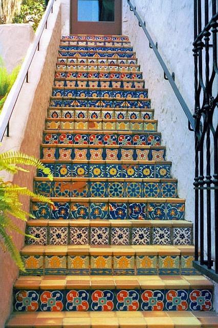 Sydlandsk stemning på trappen.