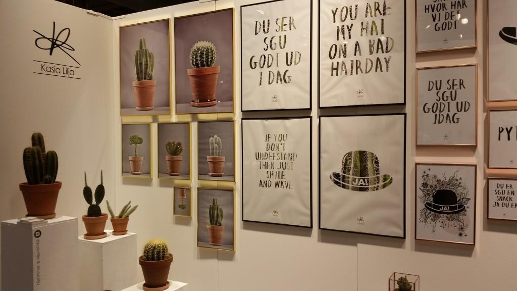 Kaktus og plakater