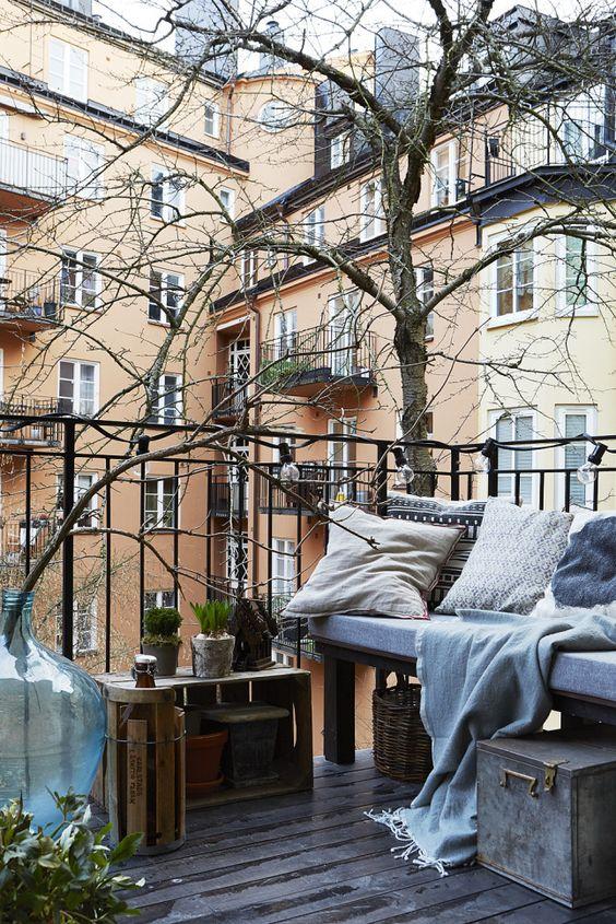 træ på altanen