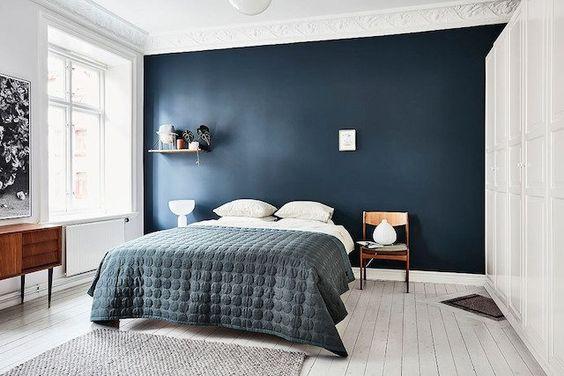 mørkeblåt soveværelse